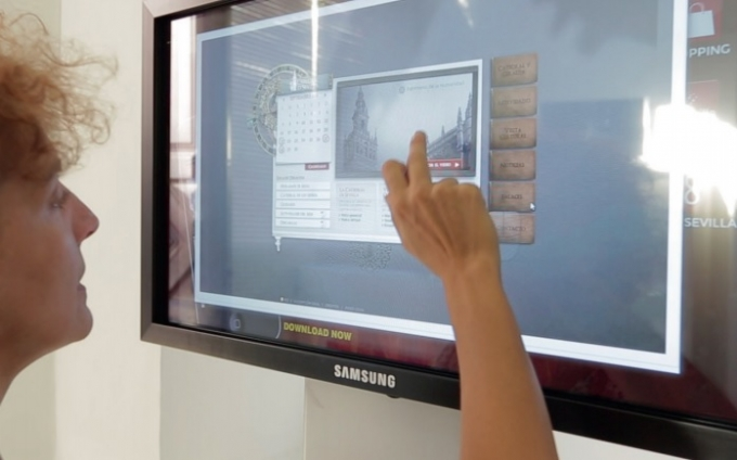 Infotur touch screens