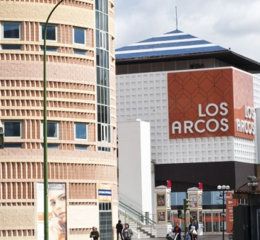 Shopping center Los Arcos